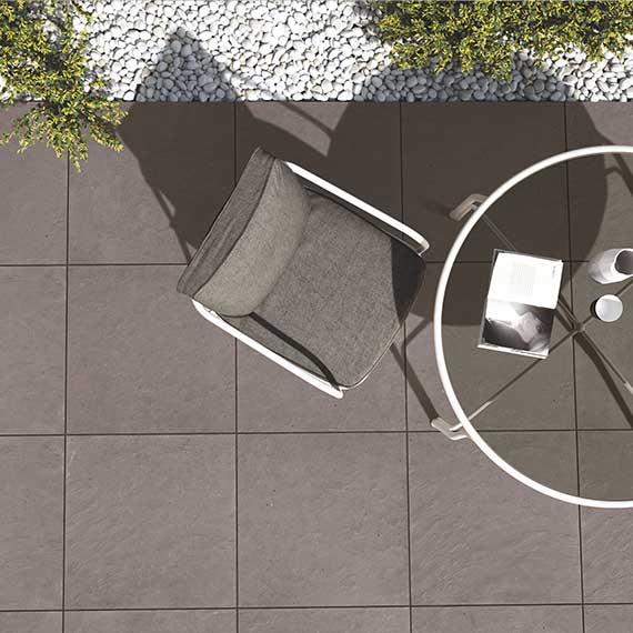Balkone, Terrassen, Hofeinfahrten